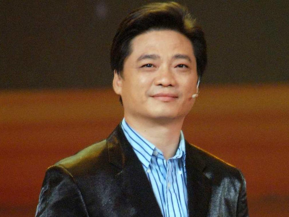 崔永元昏迷入院抢救 袁立丈夫发文:为他祈祷;  网友质疑被下药