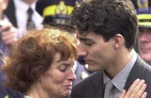 加拿大总理小土豆和他妈